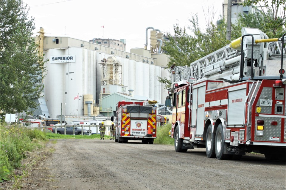 Thunder Bay Fire Rescue responded to a fire at Superior Elevator on Sunday. (Ian Kaufman, tbnewswatch.com)