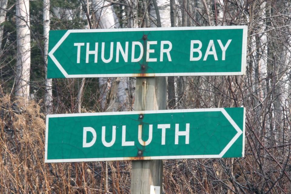 Thunder Bay Duluth Border Sign