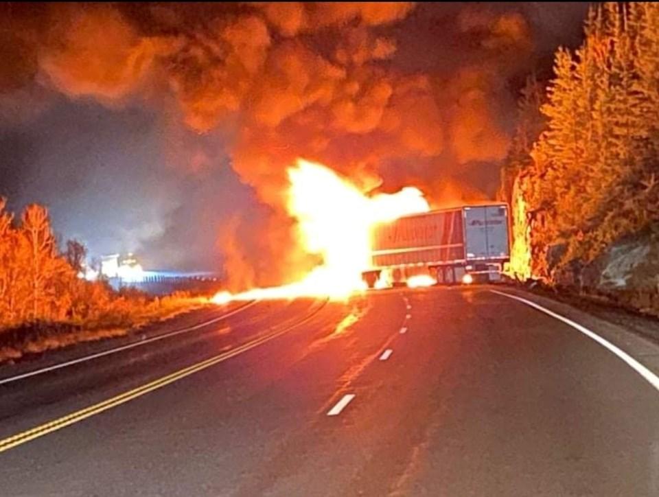 Kenora vehicle fire Oct 12 2021