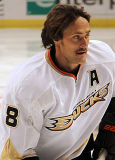 Teemu Selanne making stop at Thunder Bay Chapters