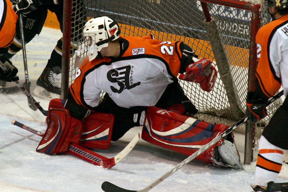 Sioux Lookout Flyers goaltender Peter Emery tends the net in a 2010 SIJHL playoff game against the Thunder Bay North Stars at Fort William Gardens. (Leith Dunick, tbnewswatch.com/FILE)