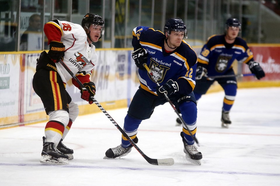 Guelph's Ted Nichol (left) and Lakehead rookie Geoff Dempster off the draw on Saturday, Sept. 28, 2019. (Leith Dunick, tbnewswatch.com)