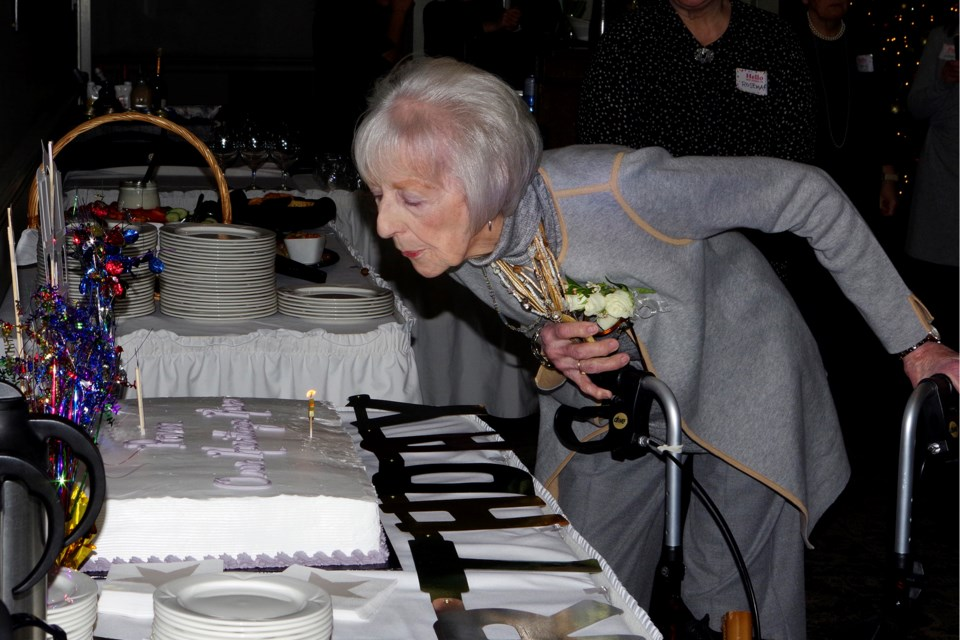 Pamela Minns concluded her 90th birthday celebration with traditional cake and candles. Bob Liddycoat / Thorold News