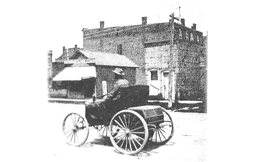 duryea-wagon-in-thorold