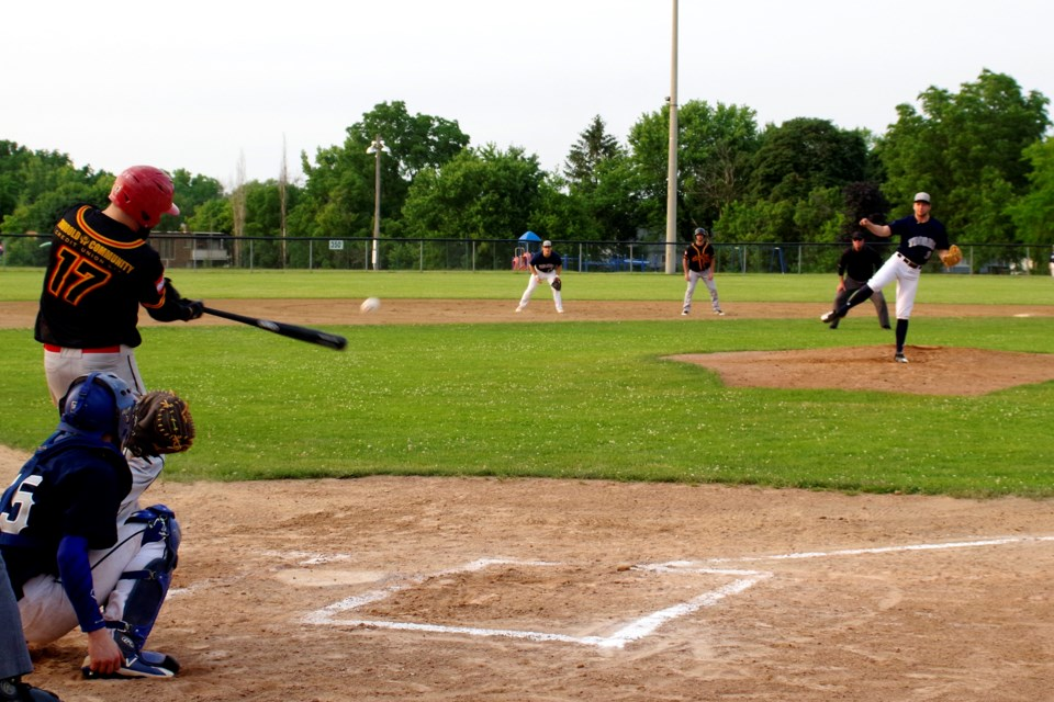 Jake Maxwell (17) gets a hit driving in Ryan Dalley, giving Thorold a 1-0 lead. Bob Liddycoat / Thorold News