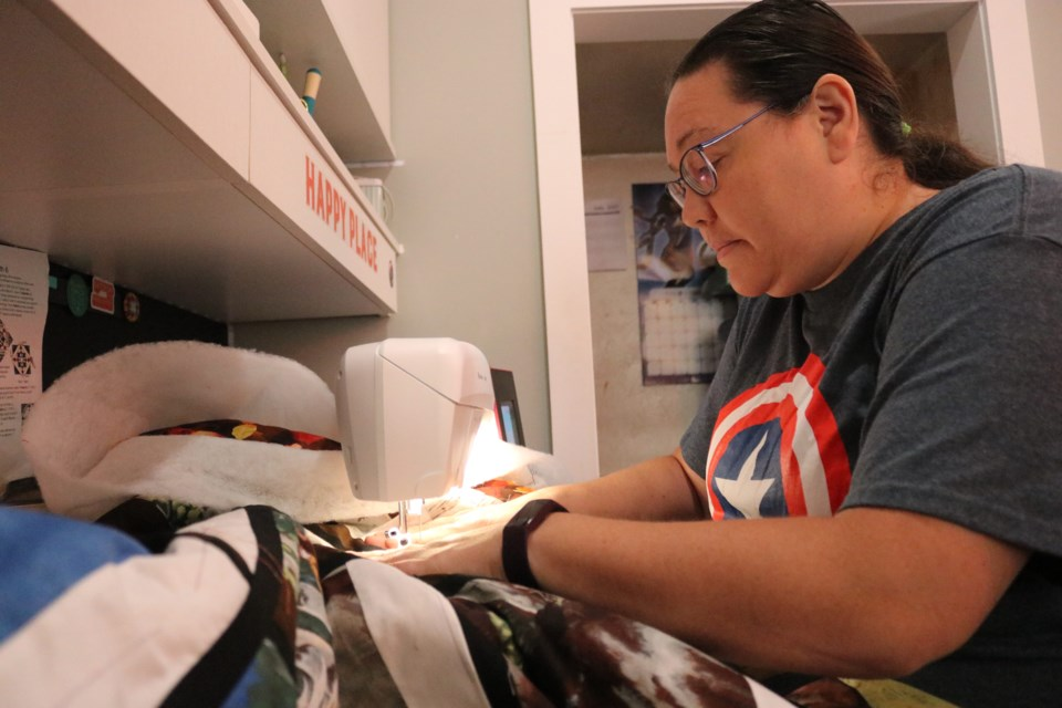 Timmins resident Vanessa Génier has started a project to support residential school survivors. With the help of people from across the country and abroad, she makes and ships quilts to various First Nation communities across the country.
