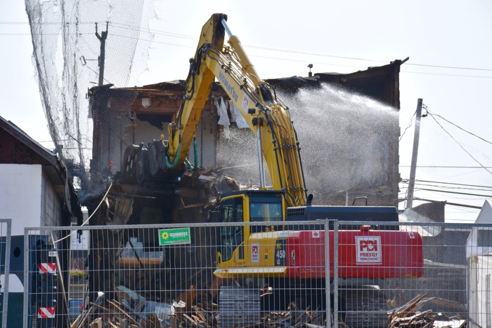The demolition of the former Central Tavern, known as The Zoo, has started downtown South Porcupine. Maija Hoggett/TimminsToday