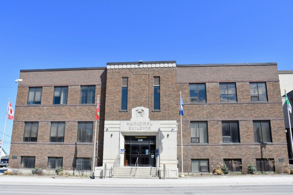 2018-05-07 Timmins City Hall2 MH