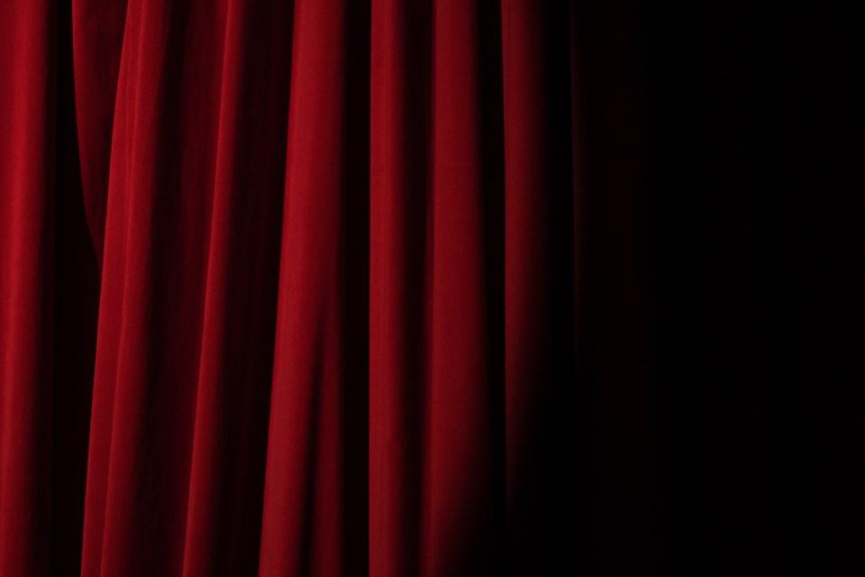 2021-03-31 Curtain PEXELS