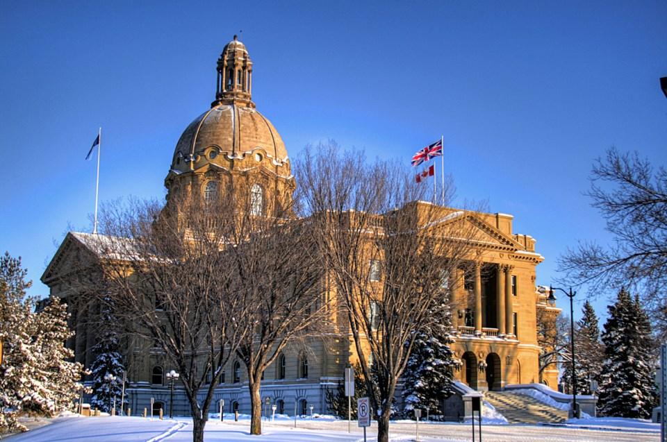 Legislature-Building-Edmonton-Alberta-Canada-03A
