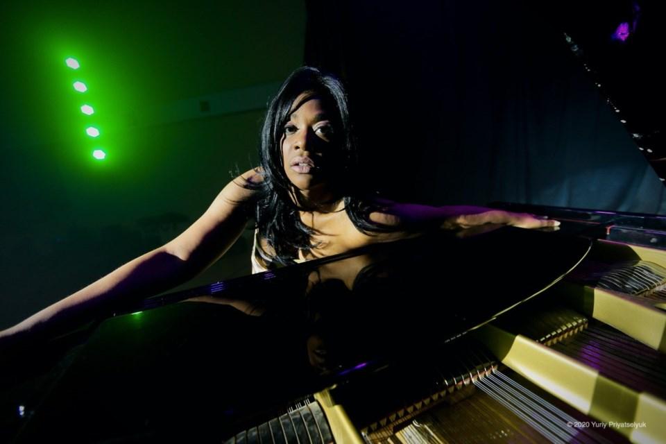 Gina Williams2
