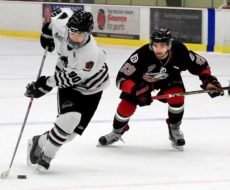 0122-JuniorBHockeyFile 1w