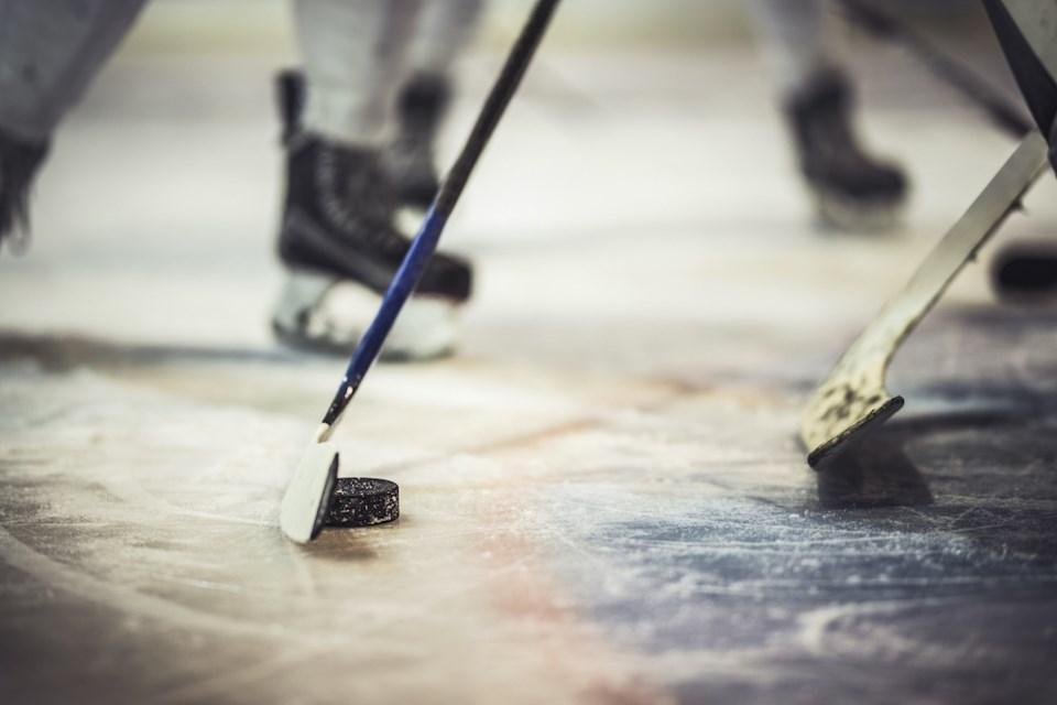 1637214-hockey-stick