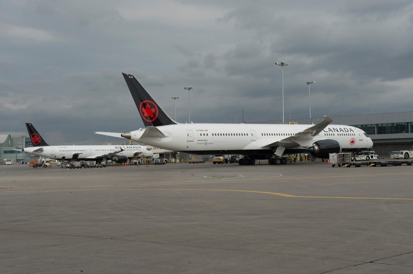 air-canada.-flights-yvr-airportjpg