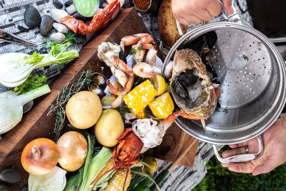 blvd-seafood-boil-vancouver
