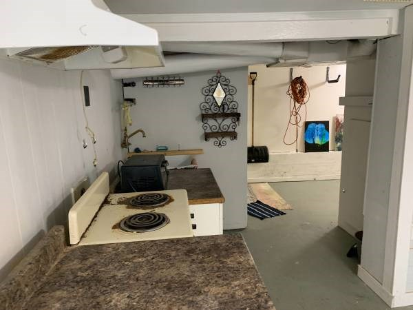 A Craigslist ad for a bachelor's basement suite near Vancouver Mount Pleasant is asking for $1,000/month and that the tenant be no taller than 163 centimetres.