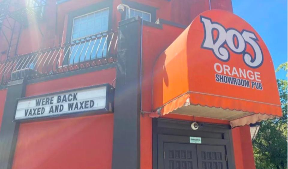 no5-orange-showroom-pub-vaxed-and-waxed-vancouver-strip-club-july-2021.jpg