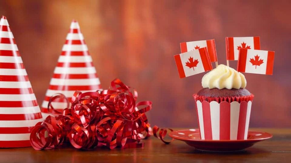 canada-day-cupcake