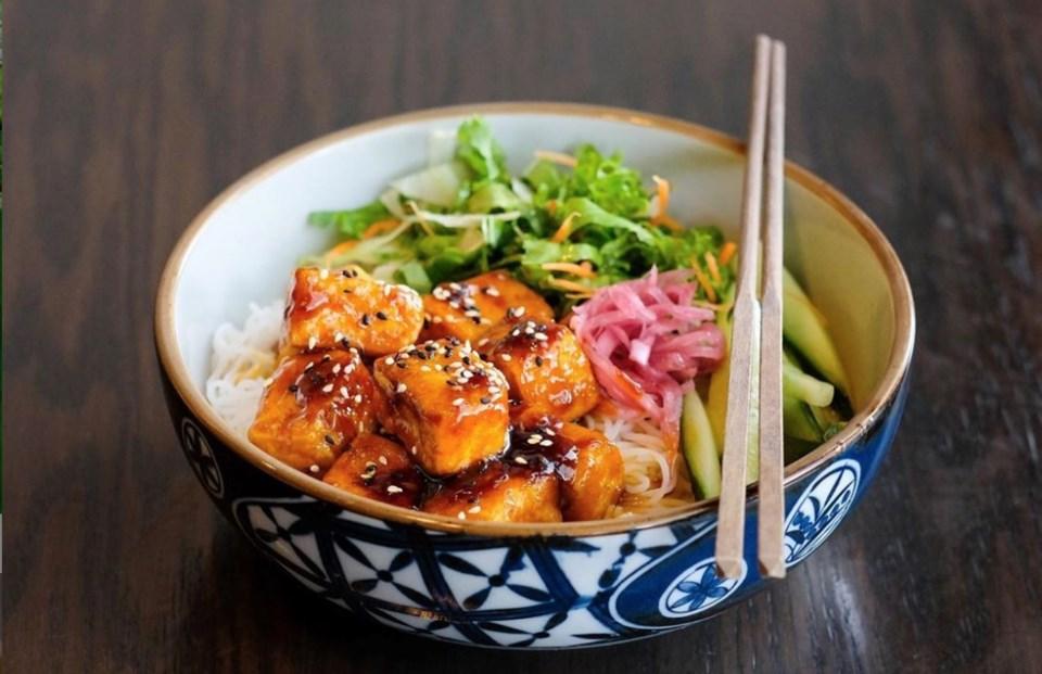 chi-vegan-tofu-bowl
