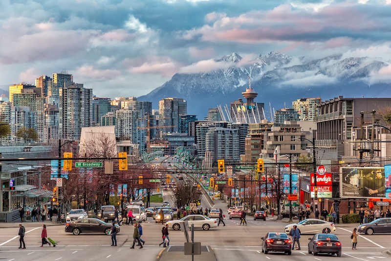 vancouver-city-streets-traffic-broadway-intersection