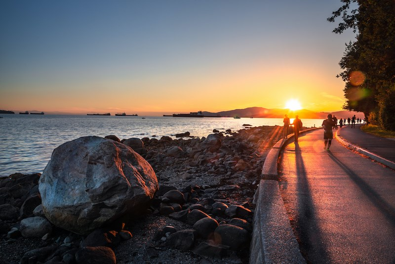 vancouver-seawall-summer-sunset