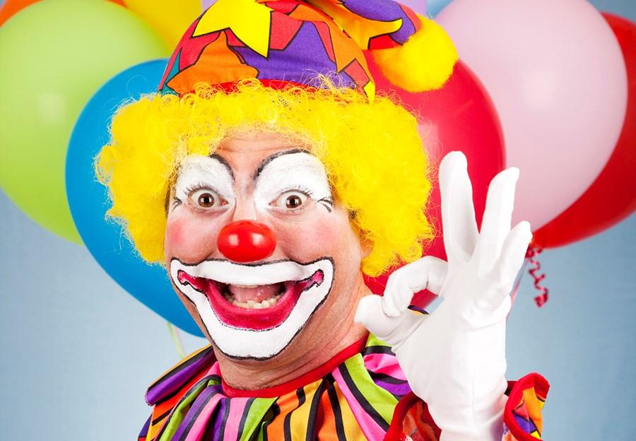 clown-white-w-sign-aok