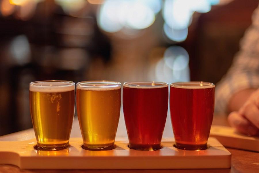 craft-beer-flight-tasting