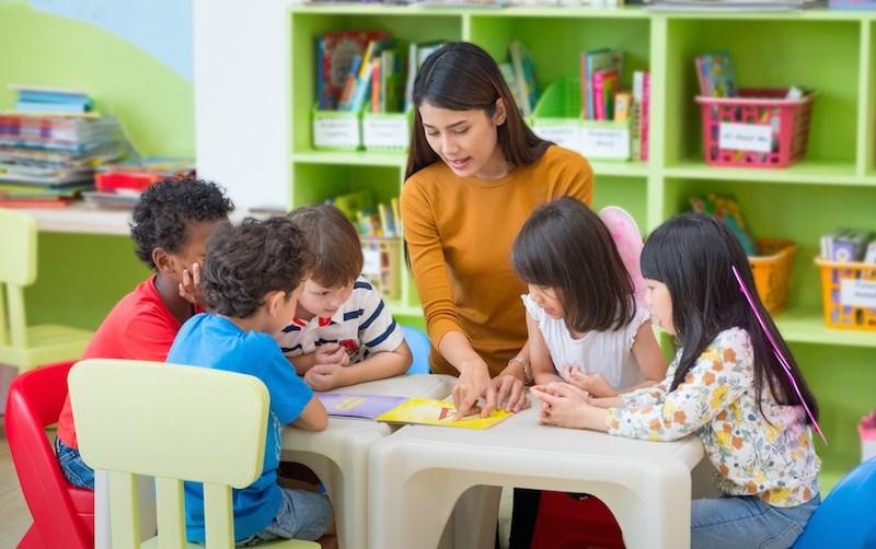 daycare-kids-teacher