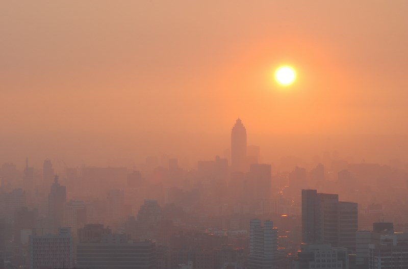 heavily-polluted-cities-lockdown-covid-19-ubc-study