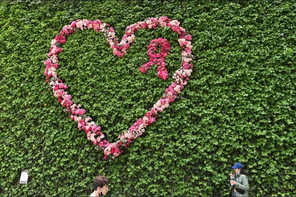 Fleurs de Villes is all over downtown Vancouver until June 20.
