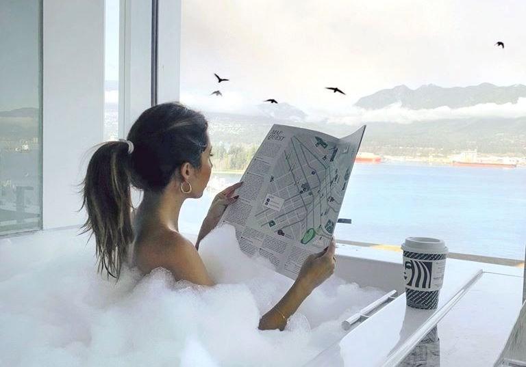 fairmont-pacific-rim-bubble-bath