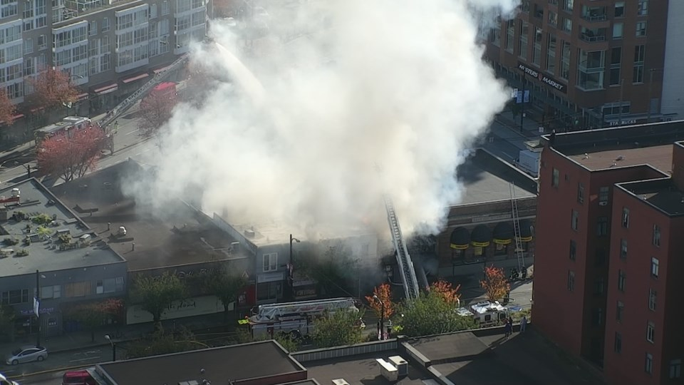 main-broadway-fire-helicopter