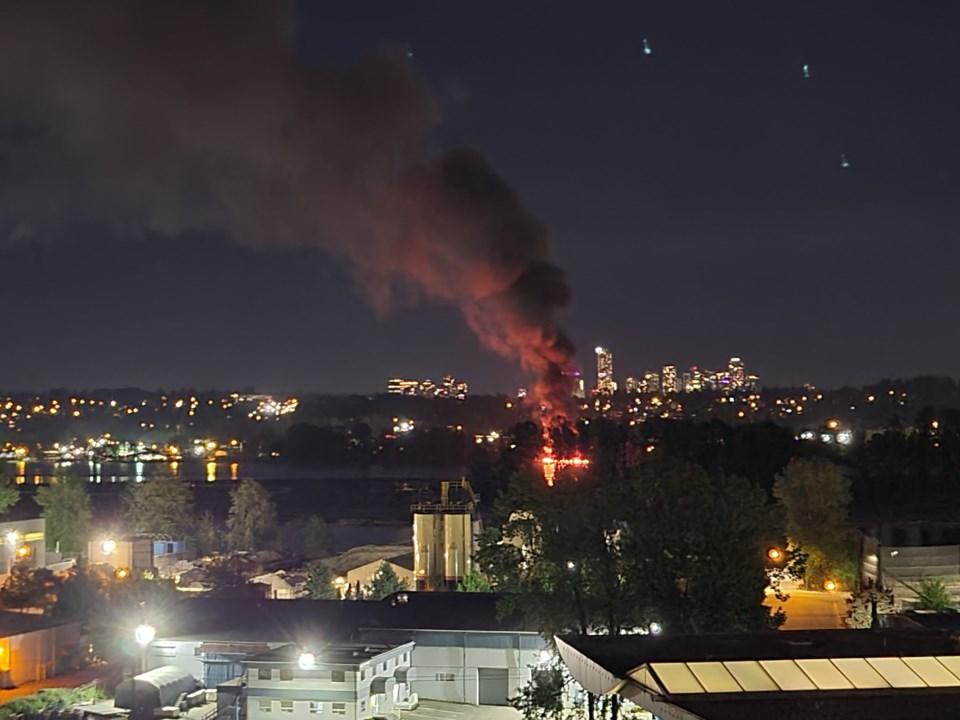 Surrey wharf fire1