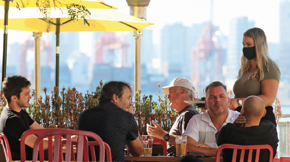 B.C. restaurants prepare to struggle through the rain and cold patio service image-8