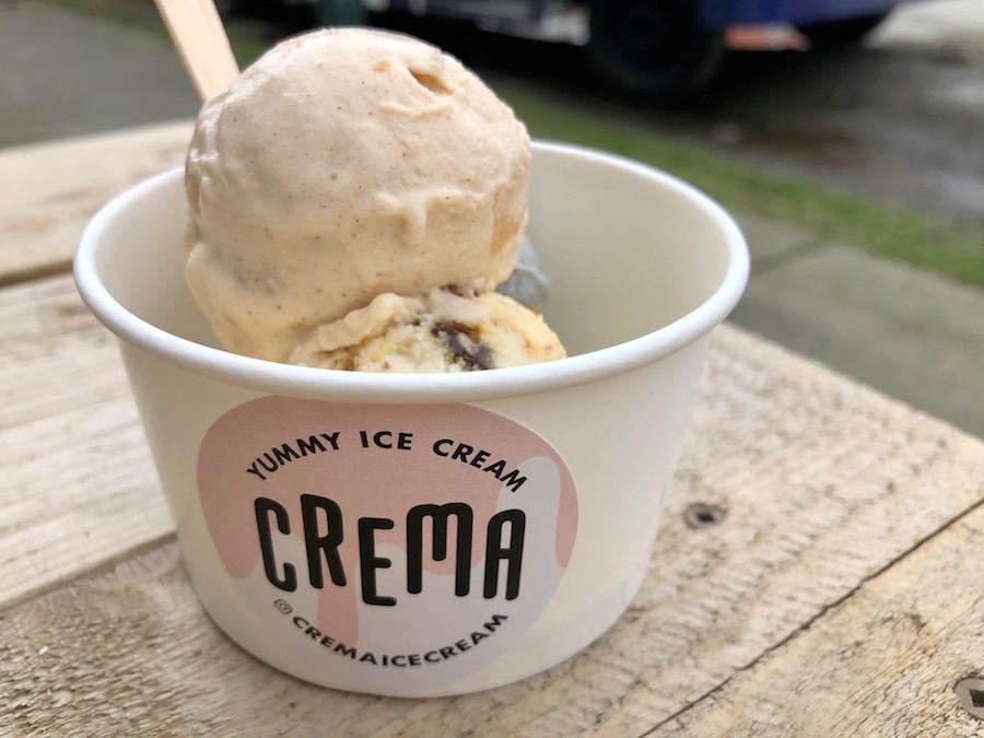 crema-ice-cream-scoops