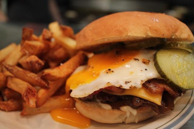 fable-diner-brunch-burger