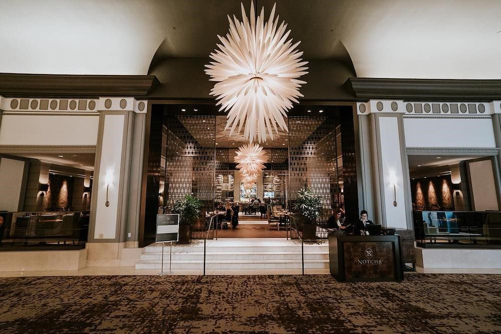 Restaurant at Fairmont Hotel Vancouver closes after 3 employees test positive for COVID-19