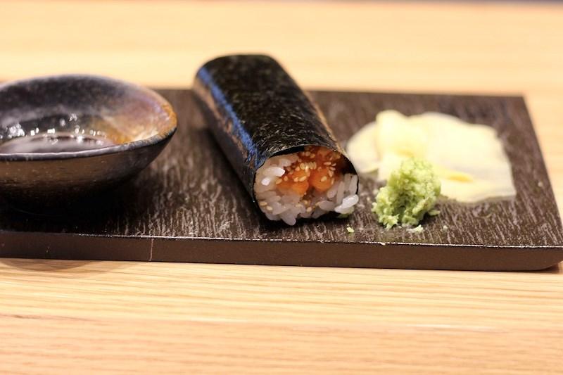 hello-nori-salmon-hand-rol