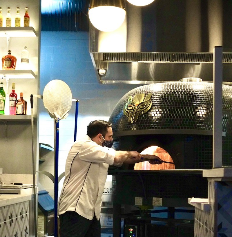lonore-pizza-new-westminster-oven-chef