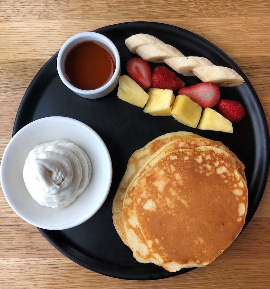 pancakes-breakfast-1909-kitchen-tofino