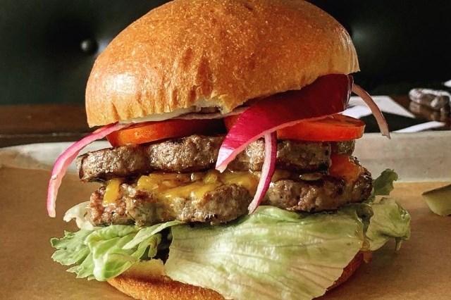 whiskey-six-bbq-burger
