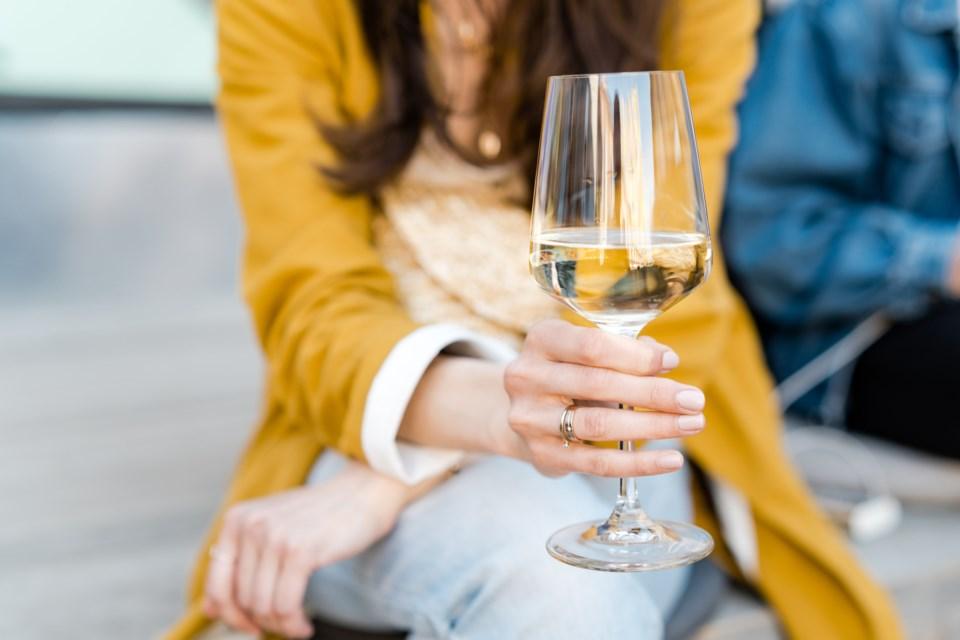Wine-Macarosha-GettyImages-1153260481