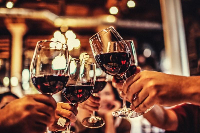 wine-restaurant-night