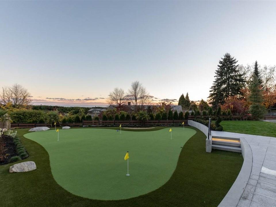golf house 1