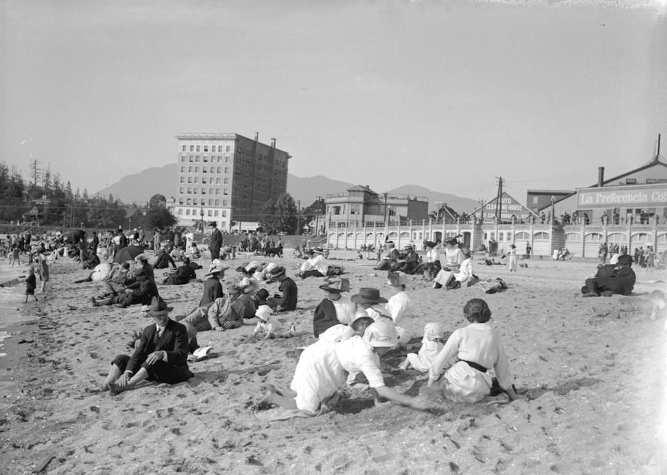 english-bay-1920s-COV-archives
