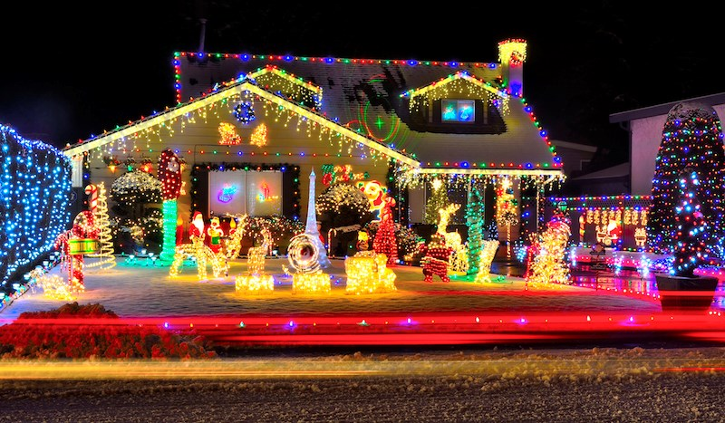 christmas-lights-house-display