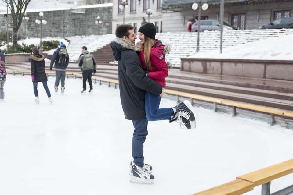 ice-skating-couple