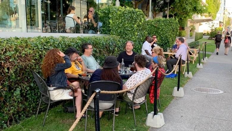 mayor-kennedy-stewart-covid19-patio