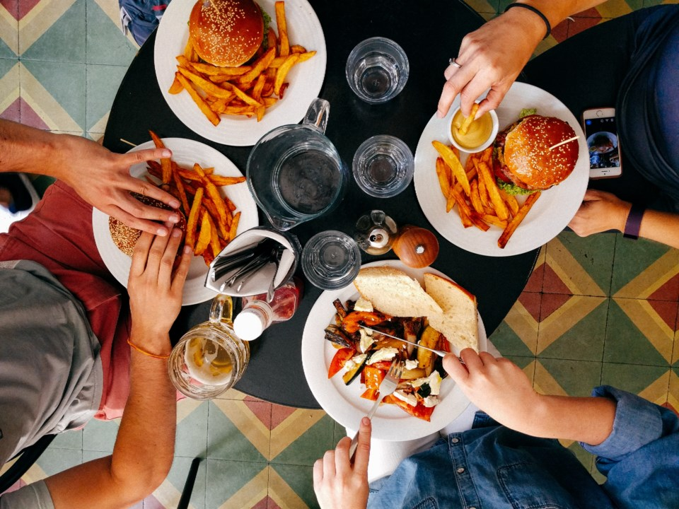 lunch-at-restaurant