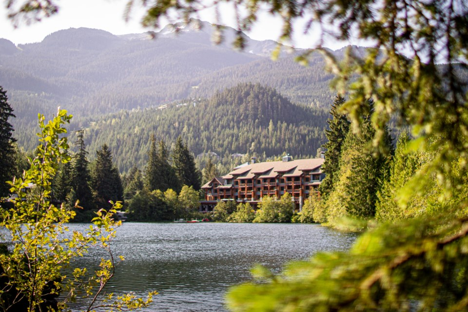 Nita-Lake-Lodge-Simon-Havenhand
